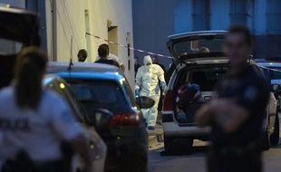 Des enquêteurs sur la scène du crime, à Marseille, le 31 août 2016.