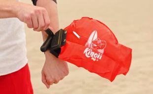 Le bracelet-sauveteur « Kingii », créé par une start-up américaine, renferme une bouée de sauvetage qui peut vous sauver de la noyade.