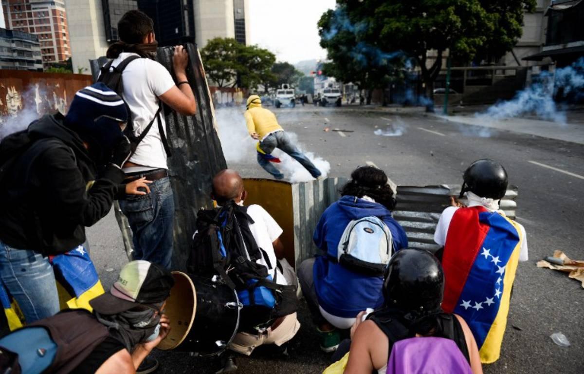 Les manifestations contre le président en place Nicolas Maduro ont commencé mercredi 19 avril à Caracas. – FEDERICO PARRA / AFP