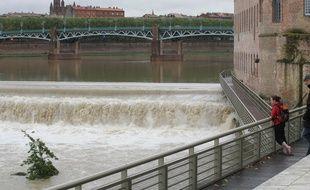 La Garonne, au centre-ville de Toulouse. Illustration.
