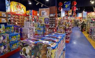 Beaucoup de lecteurs craignent la foule dans les magasins de jouets à l'approche de Noël