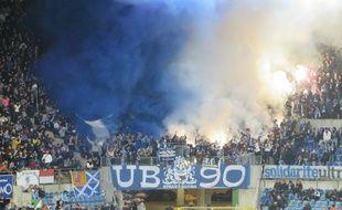 Strasbourg, le 16 octobre 2015. - Les UB 90, supporters strasbourgeois, fêtent les 25 ans de leur groupe. Face au CA Bastia ou à Amiens, ils vont fêter la montée du Racing en Ligue 2. «20 Minutes» a concocté une playlist pour l'événement.