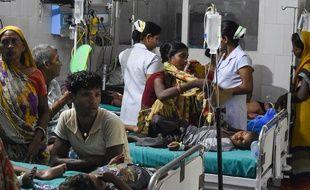 Une épidémie d'encéphalite aiguë a causé la mort d'une centaine d'enfants depuis le 1er juin, ici à Bihar le 19 juin 2019.