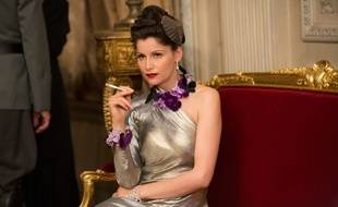 Laetitia Casta dans le téléfilm Arletty, une passion coupable