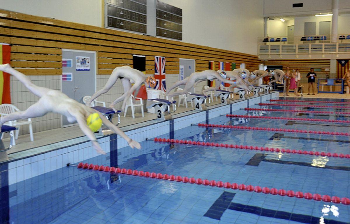 Compétition de natation naturiste – Arnold Gottsrois