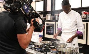 Cela fait plusieurs semaines que les émissions de « Top Chef » sont coupées en deux