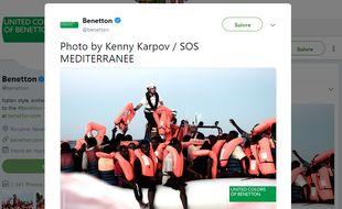 Benetton a partagé la publicité sur son compte Twitter.