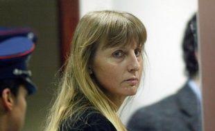 L'ex-femme et complice du meurtrier pédophile Marc Dutroux va prochainement introduire une demande de libération anticipée, un an après le refus de la France de l'accueillir sur son territoire, a rapporté lundi le journal belge Le Soir.