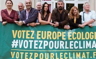 Jean-Louis Roumégas (troisième en partant de la gauche) et Clothilde Ollier (deuxième en partant de la droite) sont les deux candidats à l'onvestiture EELV dont la primaire citoyenne a lieu ce samedi.