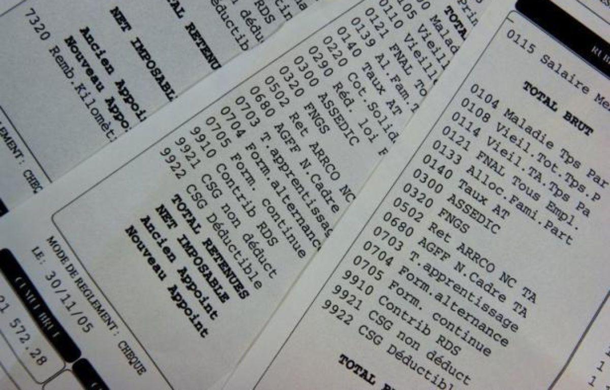 """Les fonctionnaires peuvent s'attendre à un """"tour de vis"""" sur les salaires, assure lundi les Echos en citant des extraits des """"lettres de cadrage"""" adressées aux ministères par le Premier ministre Jean-Marc Ayrault. – Mychele Daniau afp.com"""