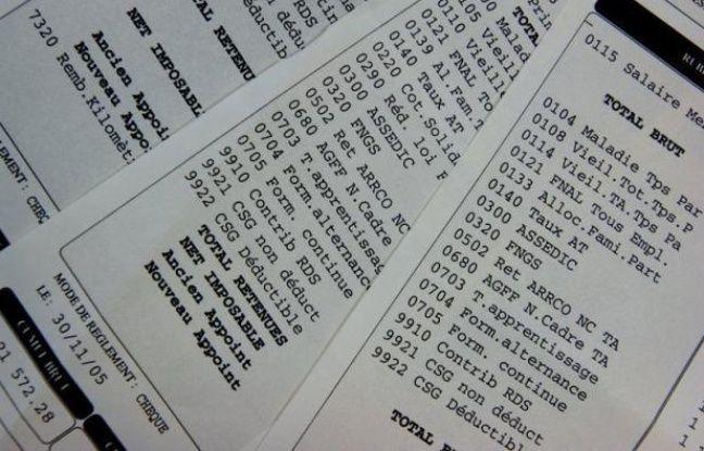 """Les fonctionnaires peuvent s'attendre à un """"tour de vis"""" sur les salaires, assure lundi les Echos en citant des extraits des """"lettres de cadrage"""" adressées aux ministères par le Premier ministre Jean-Marc Ayrault."""
