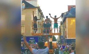 Trois personnes ont volé une caelle de chantier de 15 tonnes pour fêter la victoire des Bleus, à Rennes - Capture d'écran