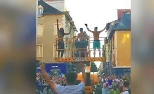 Trois personnes ont volé une nacelle de chantier de 15 tonnes pour fêter la victoire des Bleus, à Rennes. Capture d'écran.