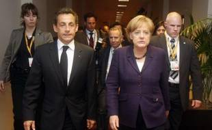 Nicolas Sarkozy et Angela Merkel, le 7 mai 2010 à Bruxelles.