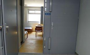 Une chambre du centre de rétention de Cornebarrieu, près de Toulouse. Illustration