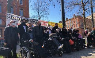 Les militants de l'association Handi-Social jugés par le tribunal judiciaire de Toulouse pour avoir envahi les pistes de l'aéroport et les voies SNCF.