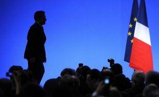 """Au fur et à mesure de son discours totalement improvisé, le candidat a pris la relève du président. Pour fustiger le """"bal des hypocrites"""" qui estiment qu'il faut """"attendre l'Europe"""" pour instaurer une taxe sur les transactions financières. Ou encore le """"spectacle parfois indécent"""" de ceux qui ont paru """"se réjouir"""" de la dégradation de la note financière de la France."""