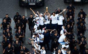 Les Bleus ont descendu les Champs