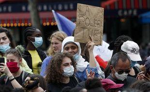 Des milliers de manifestants se sont réunis samedi à Paris, place de la République, contre le racisme et les violences policières