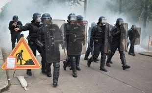 Les forces de l'ordre lors de la manifestation du 2 juin à Nantes/ AFP PHOTO / JEAN-SEBASTIEN EVRARD