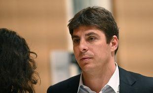 Paris, le 20 mai 2019. Alexandre Balkany, le fils de Patrick et Isabelle, arrive au palais de justice où il comparaît pour «blanchiment de fraude fiscale».