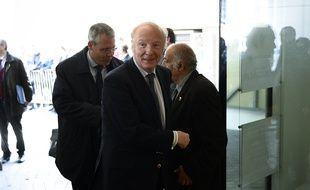 Brice Hortefeux lors de son arrivée au Bureau Politique des Républicains, au siège du parti à Paris, le 24 avril 2017.