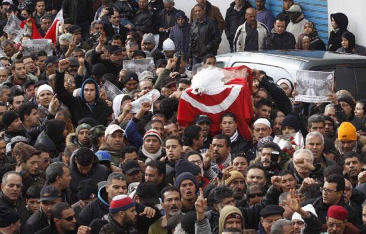 L'enterrement de Chokri Belaïd à Tunis, le 8 février 2013 – HAMMI/SIPA