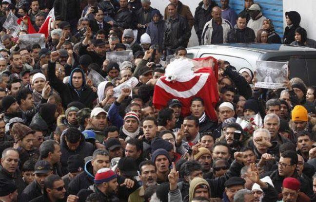 L'enterrement de Chokri Belaïd à Tunis, le 8 février 2013