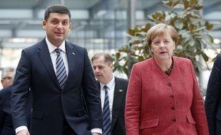 Le premier ministre ukrainien Volodymyr Groysman, et la chancelière allemande Angela Merkel, le 29 novembre 2019.