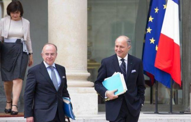 """Paris a estimé jeudi que """"les choses vont bien entre les Français et les Allemands"""" même s'il existe encore des """"sujets de discussion"""", au lendemain d'une rencontre entre François Hollande et Angela Merkel et à quelques heures d'un sommet censé apporter le salut à l'Europe."""