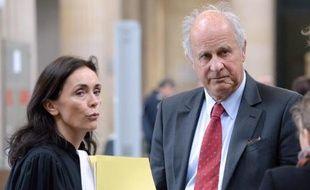 Patrice de Maistre et son avocate Jaqueline Laffontat à leur arrivée le 24 mars 2015 au tribunal à Bordeaux