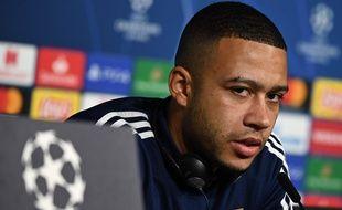 Même s'il ne sera pas capitaine mardi contre le Benfica, Memphis Depay était le joueur choisi ce lundi pour la conférence de presse d'avant-match. JEFF PACHOUD