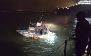 Une intervention de la gendarmerie maritime, près du port de Dunkerque, le 27 novembre 2018.