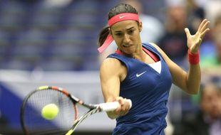 Caroline Garcia a perdu malgré cinq balles de match contre Lucie Safarova, lors de la première rencontre de la demi-finale de Fed Cup France-République Tchèque, le 18 avril 2015.