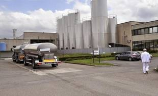 Une soixantaine de salariés de l'usine laitière Candia (groupe Sodiaal) de Saint-Yorre (Allier), menacée de fermeture, ont bloqué durant plusieurs heures mercredi des responsables du groupe, dont la DRH, les empêchant de sortir de l'entreprise, a constaté un journaliste de l'AFP.