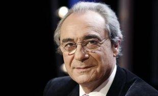 """e député UMP de Paris Bernard Debré s'est donné jusqu'au """"mois de novembre"""" pour annoncer s'il maintenait ou non sa candidature pour les municipales de mars 2008 à Paris, et a indiqué que s'il renonçait, il ne s'associerait pas à Françoise de Panafieu, candidate de l'UMP."""