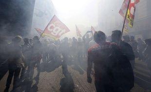 Des manifestants défilent à Marseille contre la réforme du Code du travail, le 12 septembre 2017.