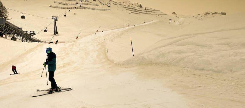 Le nuage de sable a touché une grande partie de l'Europe, comme ici à Anzere, en Suisse, le 6 février dernier.