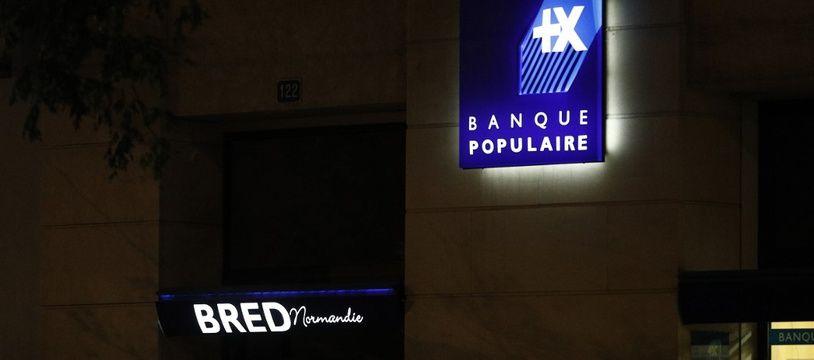 Illustration: La devanture de l'agence BRED/Banque Populaire du Havre, où a eu lieu une prise d'otages le 6 août 2020.