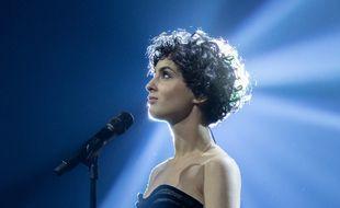 La chanteuse Barbara Pravi, représentante de la France, lors de sa deuxième répétition sur la scène de la Ahoy Rotterdam (Pays-Bas), le 15 mai 2021.