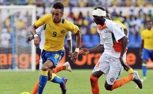 """Le Gabon a réussi lundi ses débuts dans """"sa"""" Coupe d'Afrique des nations, qu'il organise avec la Guinée équatoriale, en dominant 2 à 0 le Niger, tout comme la Tunisie, vainqueur 2-1 du Maroc."""