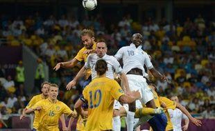 La France rencontrera l'Espagne en quarts de finale de l'Euro-2012, malgré sa défaite 2 à 0 contre la Suède, lors de la 3e et dernière journée du groupe D de l'Euro-2012, mardi à Kiev.