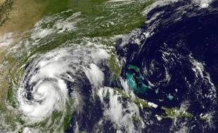 Image de la tempête tropicale Alex, qui s'est transformée en ouragan de catégorie 1, prise par le satellite GOES-13 au-dessus du golfe du Mexique, le 29 juin 2010.