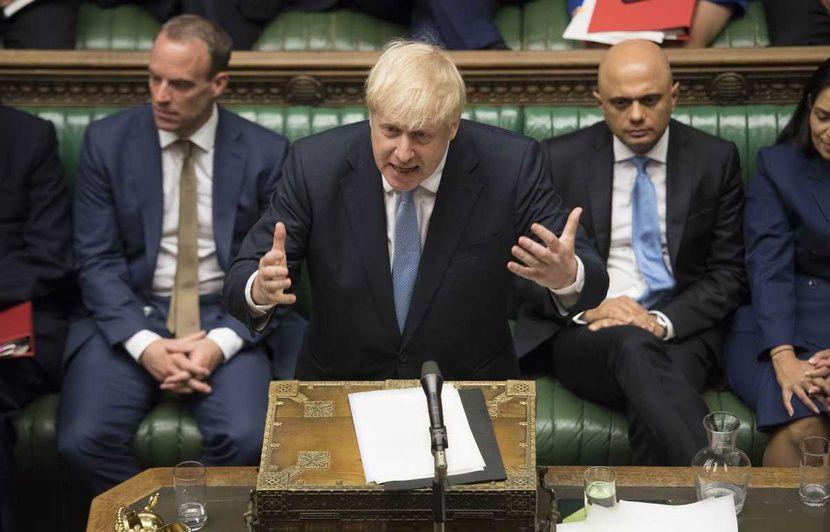 Royaume-Uni: Plus de 100 députés veulent que Johnson rappelle le Parlement