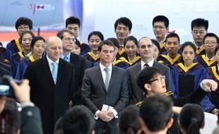 Manuel Valls et Laurent Fabius à Tianjin, en Chine, le 29 janvier 2015.