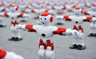 """Un """"flash-mob"""" de robots, le 31 juillet 2016 en Chine. Illustration"""