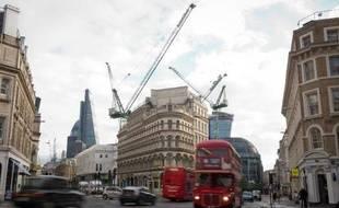 Un immeuble en construction à Londres, le 25 octobre 2013