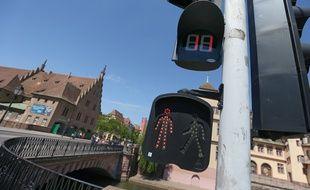 Les Feux rouge à décomptes sont en test à Strasbourg, le 20 mai 2014.