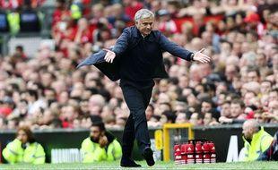 José Mourinho s'agace lors du derby de Manchester le 10 septembre 2016.