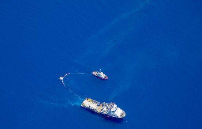 Ce dimanche 12 juin, au large de la côte orientale de la Corse, deux navires traînent un chalut pour récupérer une partie des hydrocarbures et contenir la pollution détectée vendredi et probablement liée au dégazage d'un navire.